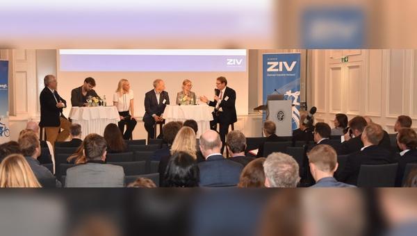 Diskutierten beim Parlamentarischen Abend: Bernhard Lange, Stefan Gelbhaar, Mathias Stein, Dr. Anke Blöbaum und Gero Storjohann