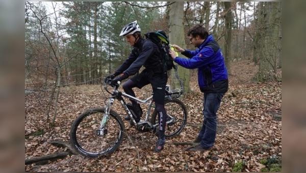 Praxis-Tests mit E-Mountainbikes.