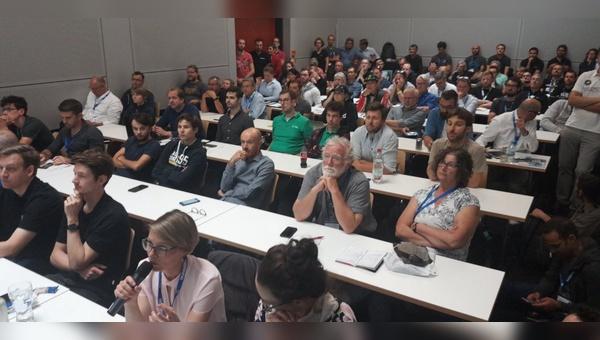 Voller Seminarraum im letzten Jahr im Rahmen der Cargobike Academy auf der Eurobike. In diesem Jahr gibt es aus bekanntem Grund einen digitalen Branchentreff.