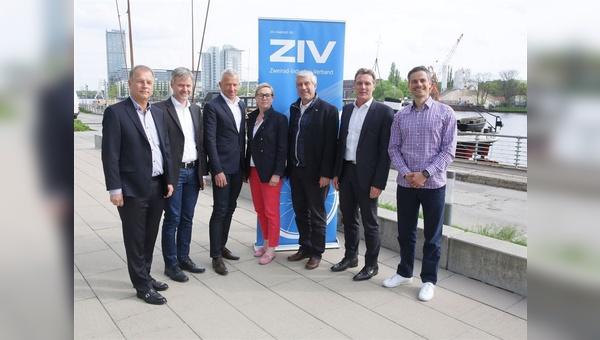 Die neue Führungsspitze ist die alte: Vorstand und Präsidium des Zweirad-Industrie-Verbandes.