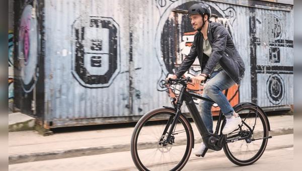 E-Bike statt Ski: Bosch präsentiert einen prominenten Markenbotschafter