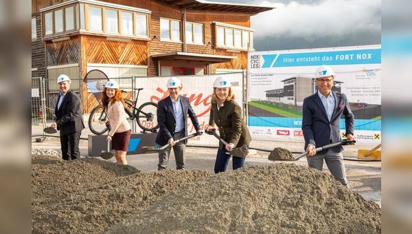 """Spatenstich für """"Fort Nox"""" in Tirol"""