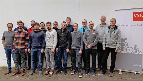 14 Fahrradhändler reisten zur Grundlagenschulung nach Marburg