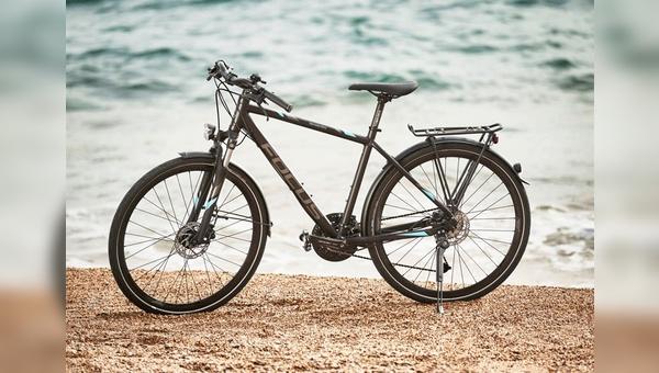 Trekkingrad aus der neuen Fahrradkollektion von Mercedes-Benz