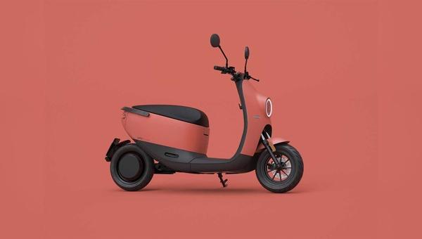 E-Roller sind noch ein kleiner Markt, der aber großes Potential mitbringt und bereits manchen Fahrradhändler interessiert.