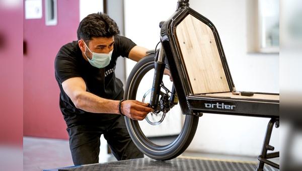 Unter der Eigenmarke Ortler bringt fahrrad.de im Sommer ein eigenes E-Lastenrad.