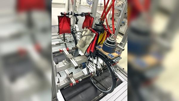 Blick ins Prüflabor beim E-Bike-Test.