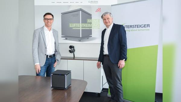 Wintersteiger CEO Dr. Florestan von Boxberg (rechts) und Daniel Steininger (General Manager) praesentieren Cubusan