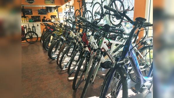 Auch bei All Mounains in Wiesbaden ist man sehr zufrieden mit dem E-Mountainbike-Geschäft.