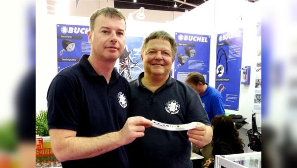 Mirko Junghänel und Erhard Büchel zeigen sich in Taipei erstmals mit der Marke Exal.