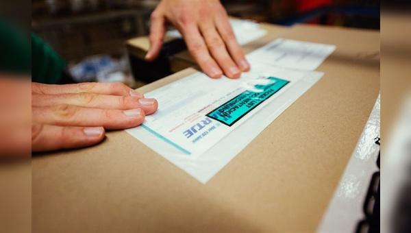 Hartje nutzt Versandtaschen aus Pergamin