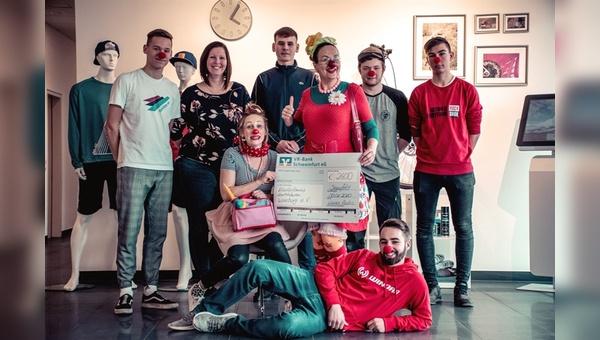 Spendenübergabe an die KlinikClowns Lachtränen Würzburg
