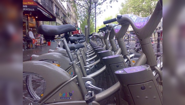 """Die """"Vélibs"""" prägen mittlerweile das Stadtbild von Paris."""