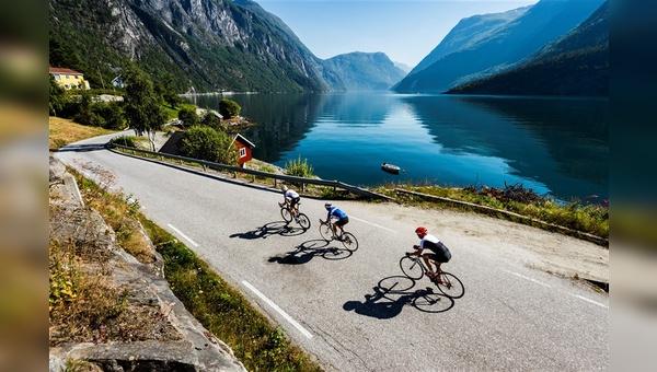 Mit neuen Zielen, wie hier Norwegen, wollen Reiseveranstalter auch neue Potenziale im Radsporttourismus erschließen.