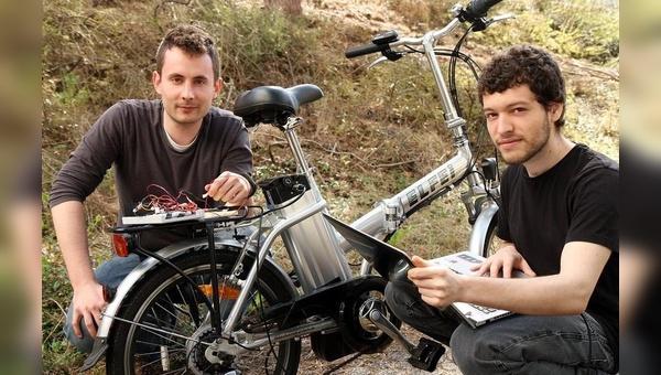 Hagen Heermann (rechts)  und Edy Ben Fadhel von der TU Kaiserslautern