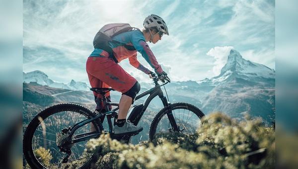 Hoch hinaus gehen die Verkaufszahlen von E-MTBs auch in der Schweiz