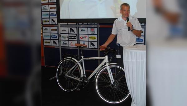 Konrad Irlbacher ist von den Möglichkeiten des 29-Zöllers beim Trekkingbike überzeugt.