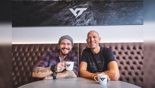 Markus Flossmann (links) holt Sam Nicols als CEO ins Team von YT Industries
