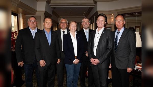 Neues Führungsgremium beim ZIV: v.l. Christoph Goebel, Wilhelm Humpert, Ralf Puslat, Severine Loenne, Bernhard Lange, Volker Thiemann, Rainer Müller