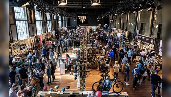 """Das Urban Bike Festival lockt in den """"Schiffbau"""" in Zürich."""