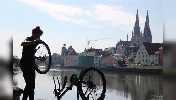 Aussichtsreicher Job: Die RadlRetter im Einsatz in Regensburg