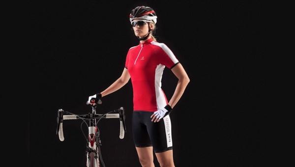 Erste Bike-Kollektion mit hotBond-Technologie