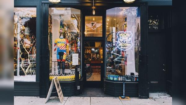 Großer Mythos, kleiner Laden