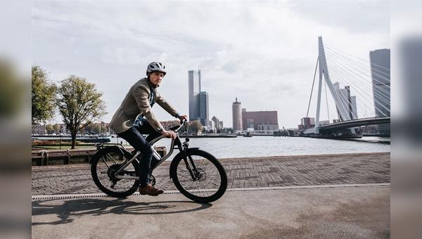 Die Niederländer zählen in Europa zu den Vorreitern bei der E-Bike-Nutzung. Inzwischen stagniert der E-Bike-Absatz bei unseren Nachbarn. Dafür nimmt der Markt in anderen europäischen Ländern gerade Fahrt auf.
