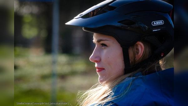 Fahrradhelme werden in europaeischen Hauptstaedten unterschiedlich haeufig getragen.