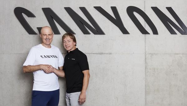 Roman Arnold (links) gibt den CEO-Posten an Armin Landgraf weiter.