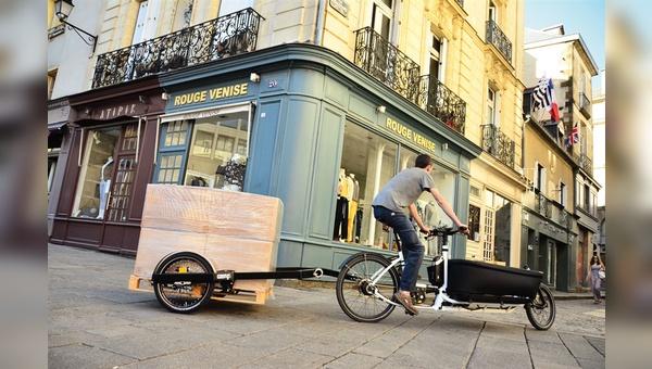 Das Lastenrad wird zum Transportgerät für die letzte Meile(n) – mit Levillains Bicylift auch für die Europalette.