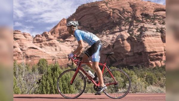 Der unterfränkische Fahrradhersteller bietet künftig auch Bikewear