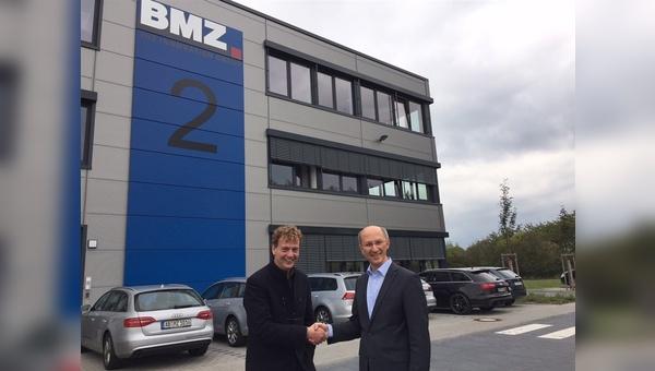 BMZ-Geschäftsführer Sven Bauer (links) hat eine neue strategische Partnerschaft geschlossen.