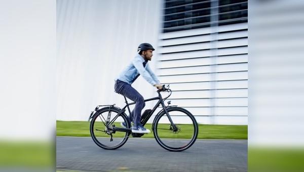 In der Schweiz ist das Tragen eines Fahrradhelms für S-Pedelec-Fahrer seit fünf Jahren verpflichtend.