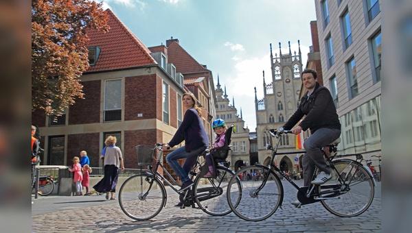 Radfahrer sind in Muenster mit der Verkehrssituation zufrieden.