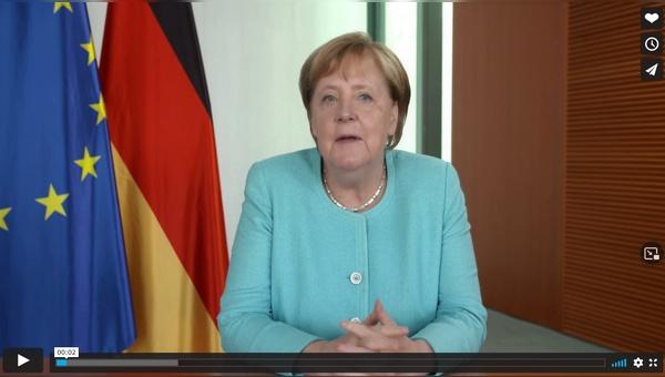 Angela Merkel mit einer Video-Botschaft zur Eroeffnung der Eurobike
