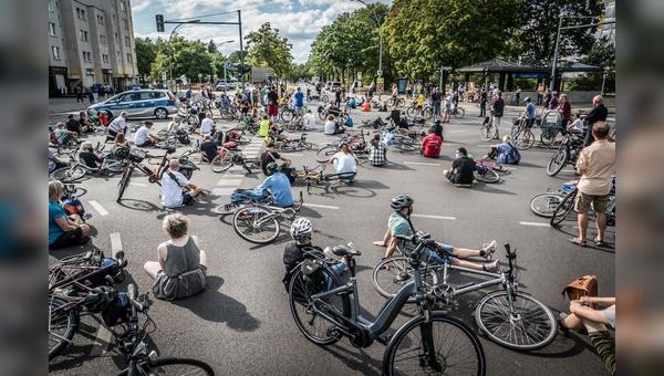 Ein breites Bündnis setzt sich zusammen mit Changing Cities dafür ein, dass die Verschärfung der Straßenverkehrsordnung nicht zurückgenommen wird.