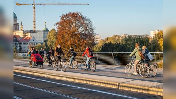 Nicht überall in deutschen Städten haben Radfahrer so viel Platz.