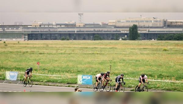 Früher hoben hier Flugzeuge ab, künftig rollen auch Fahrräder übers Rollfeld