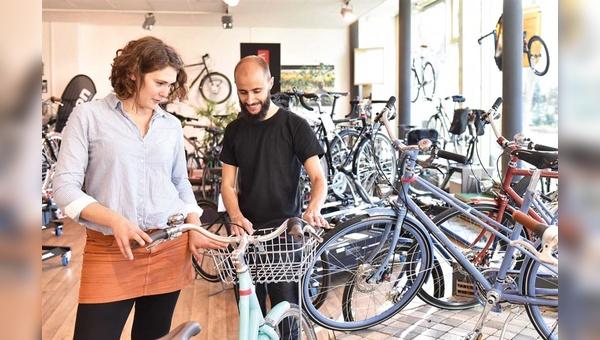 Normales Verkaufsgespräch oder Beratungsklau? Um die eigene Zeit den richtigen Kunden zu widmen, sind neue Strategien gefragt.