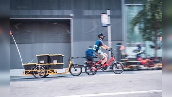 Ein spannendes Gespann: Tern-Cargobike und Anhänger von Carla Cargo.
