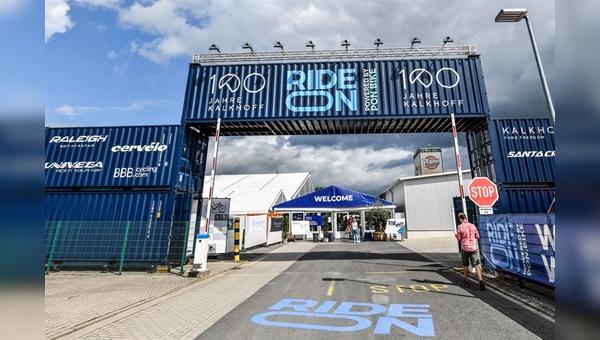 Eingang zur Hausmesse Ride On in Cloppenburg