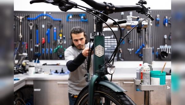 Ampler Bikes baut ein Service-Netzwerk auf.