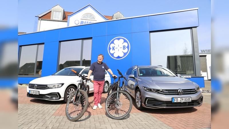 Dienstraeder und Elektrofahrzeuge sind Teil der Nachhaltigkeitsstrategie von Buechel.
