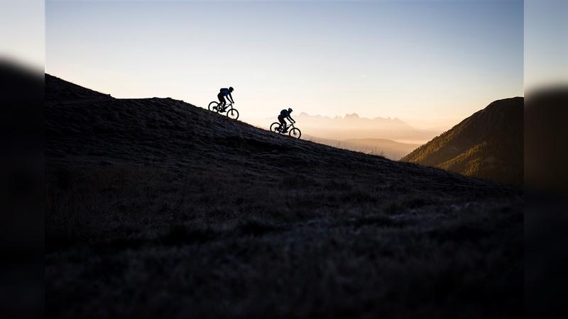 Vaude stimmt Mountainbiker auf die Wintersaison ein.