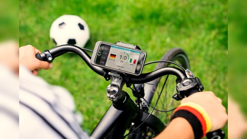 Immer auf Ballhöhe dank COBI.bike App.