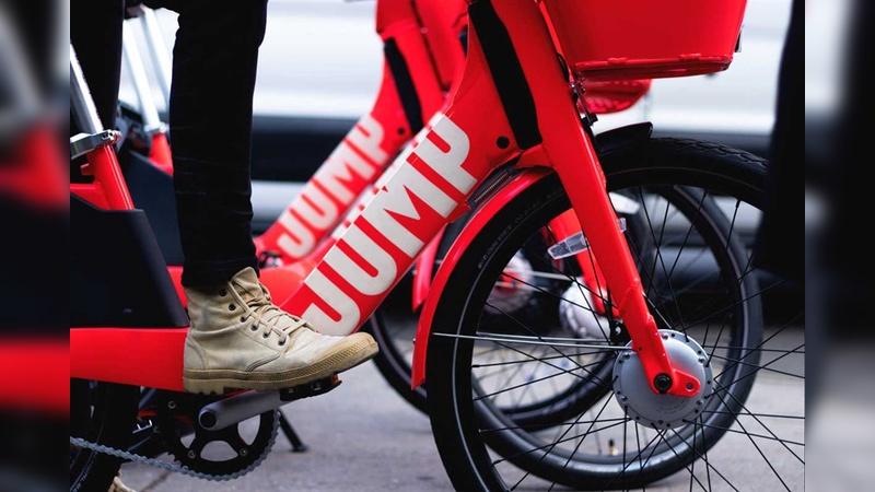 Die roten Jump-Räder wirken etwas pummelig, haben aber einen hohen Wiedererkennungswert