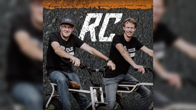 Robert de Vries (rechts) und Vincent Mazet treten kuenftig für Ruff Cycles in die Pedale.