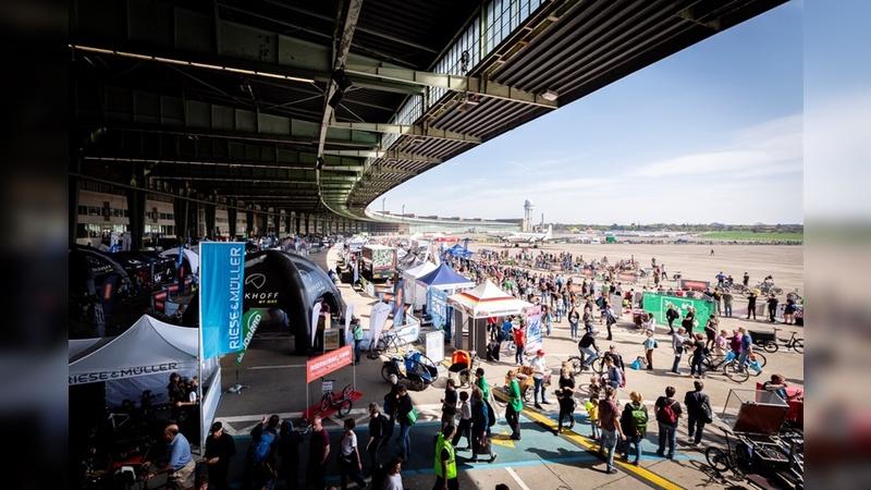 VELOBerlin bereitet die zweite Ausgabe am Flughafen Tempelhof vor.