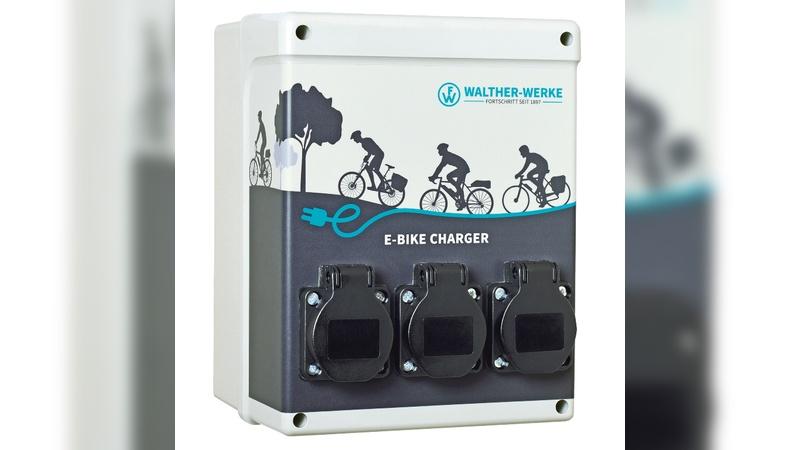 E-Bike Charger als Ladestation, die im Freien eingesetzt wird.